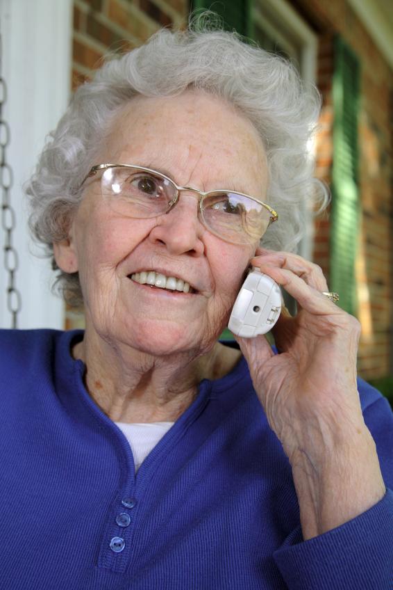 oldwomanontelephone