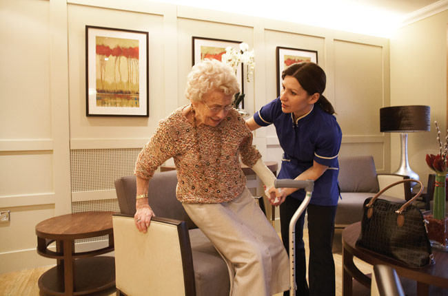 Know The Pros and Cons Of Assisted Living For Your Older Clients